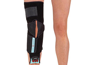 articulated knee wrap