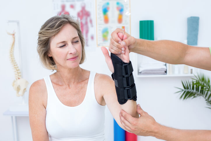 New Therapy Techniques for a Fractured Wrist