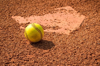 shoulder_injuries_softball.jpg